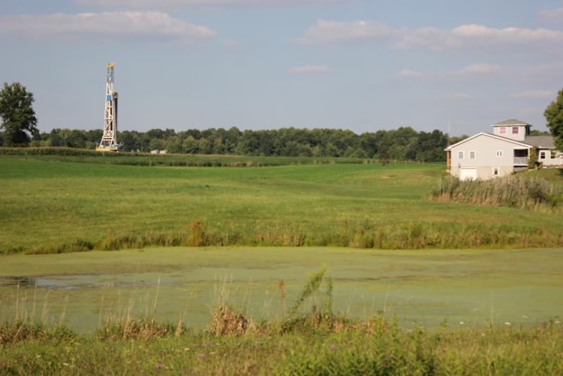 Photo: A rig and gas well operation on the Marcellus Shale in Scott Township, Pennsylvania.