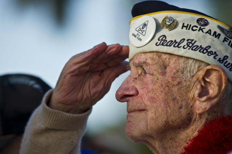 Veteran salutes other veterans