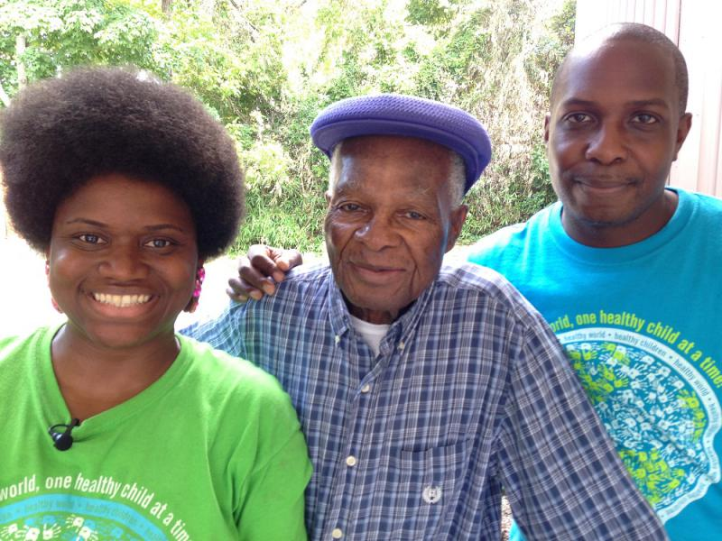 Mr. Zelb Hunter (center) started Grocers on Wheels. His soon Demetrius runs it now, with Anita Woodley.