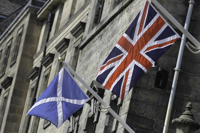 Image of Scottish flag and UK flag.