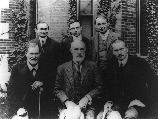 Image of Sigmund Freud, Carl Jung and other psychologists.