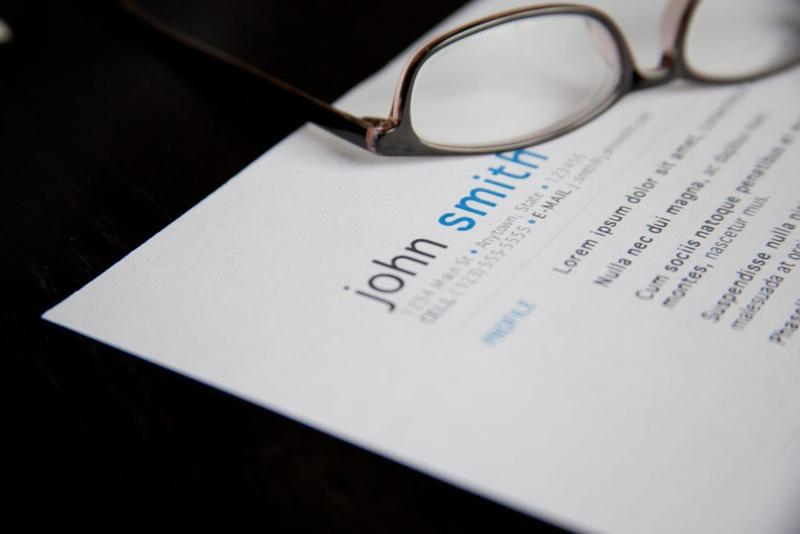 resume and glasses