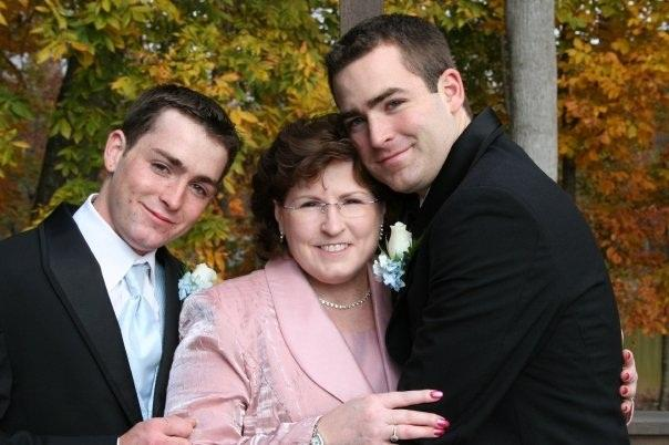CJ and her sons Steven (L) and Sean Grafton at Sean's wedding in 2007.