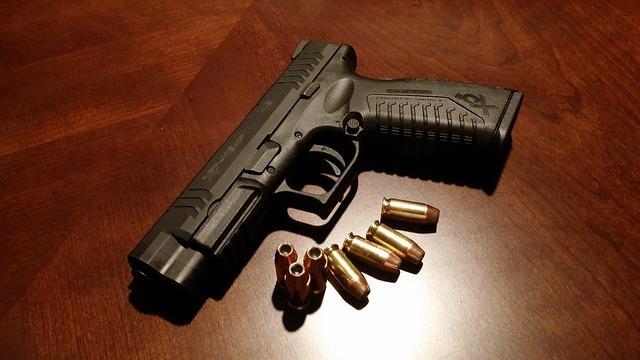 An image of a handgun