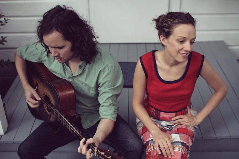 An image of Andrew Marlin and Emily Frantz of Mandolin Orange