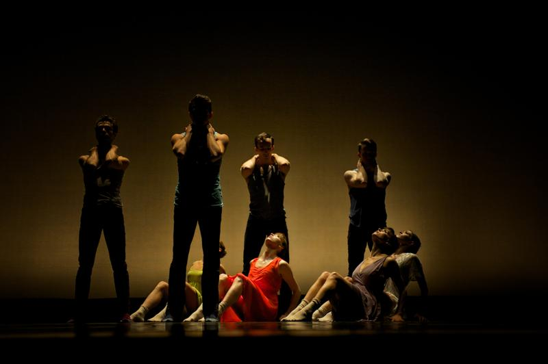Image of MOTION Dance Theatre performing Michelle Thompson's 'A Path: of light and dark'