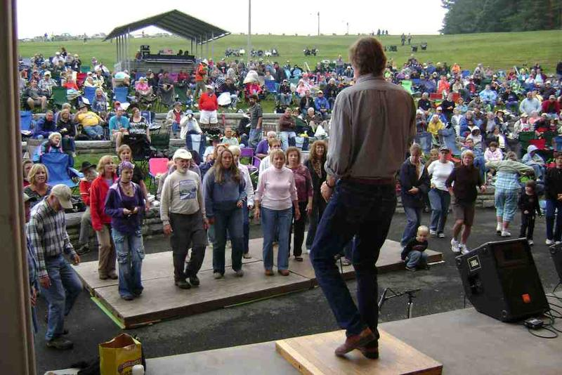 Image of Phil Jamison leading a flatfooting workshop in Virginia in 2010.