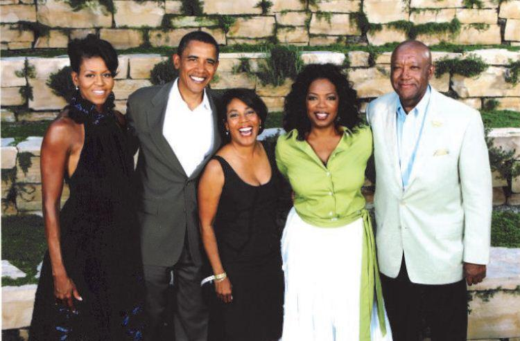 Image of Brown meeting President and Mrs. Barack Obama, Sandra Pinckney and Oprah Winfrey at a fundraiser event at the Oprah Winfrey estate.
