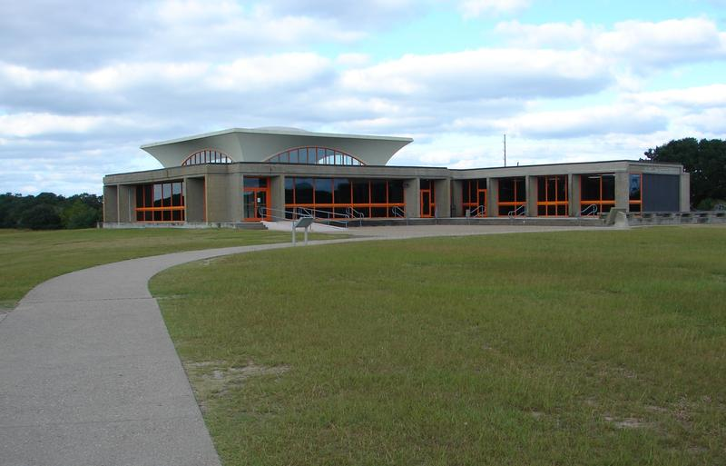 A picture of the Wright Brothers National Memorial Visitor Center.