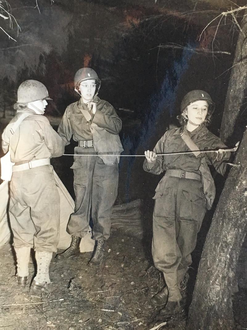 Dorothy Managan (center) takes part in a 1945 training exercise at Fort Lewis in Tacoma, Wa.