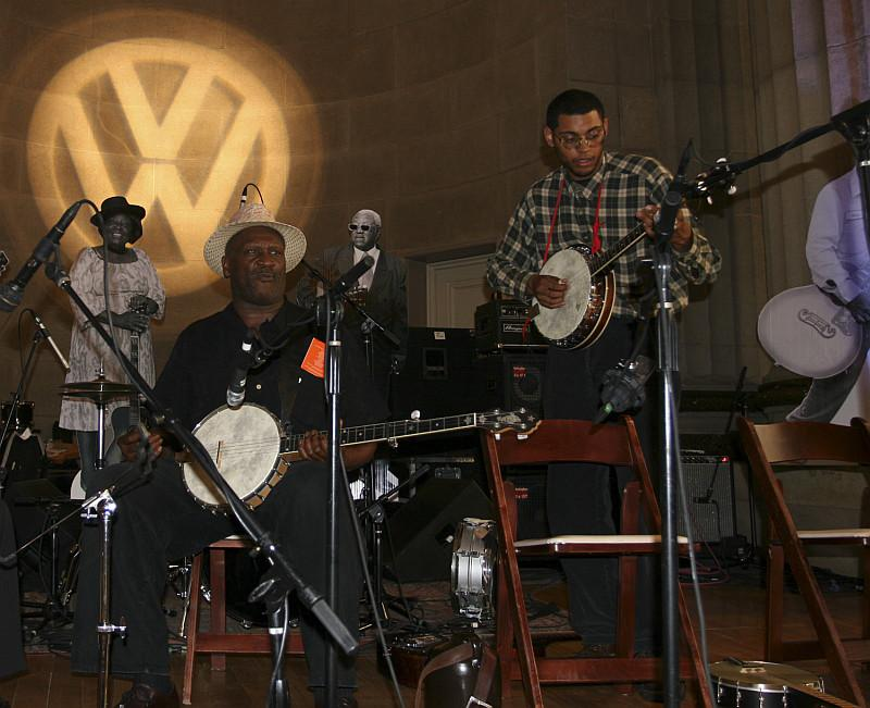 Taj Mahal and Dom Flemons on stage