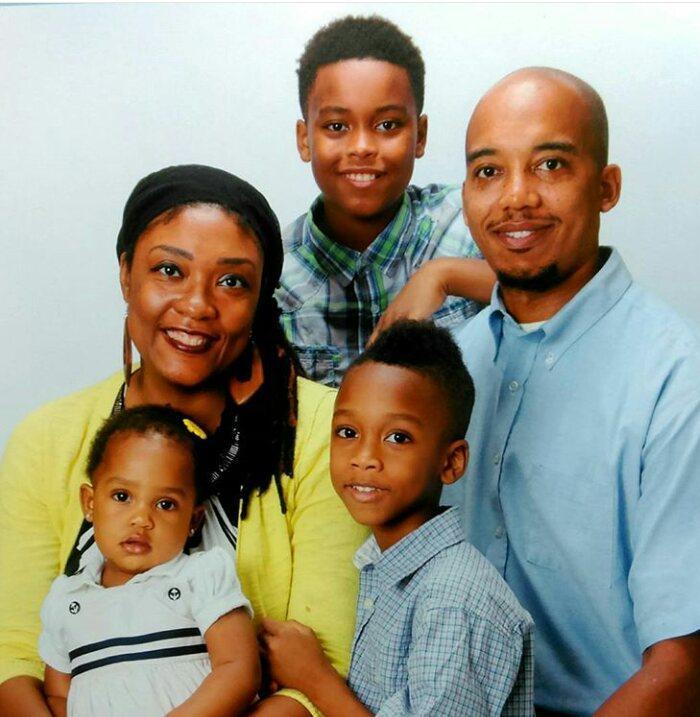 Photo of Tarish Pipkins and his family