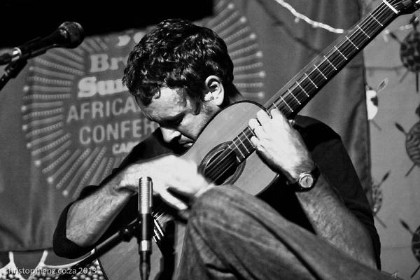 Image of South African guitarist Derek Gripper