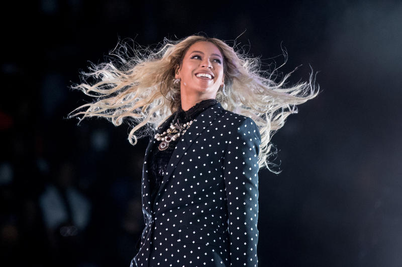 An image pop singer Beyonce