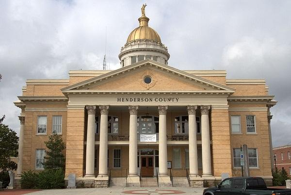 photo of henderson county courthouse