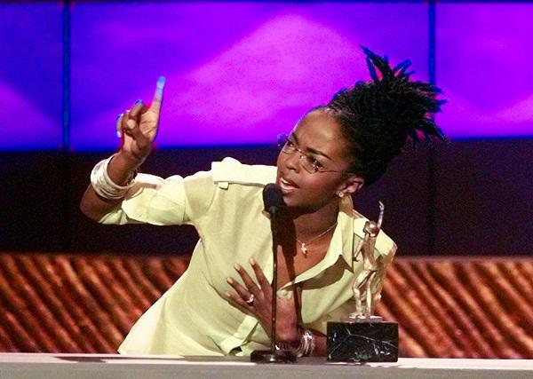 Photo of Lauryn Hill Accepts the Sammy Davis Jr. Award for Female