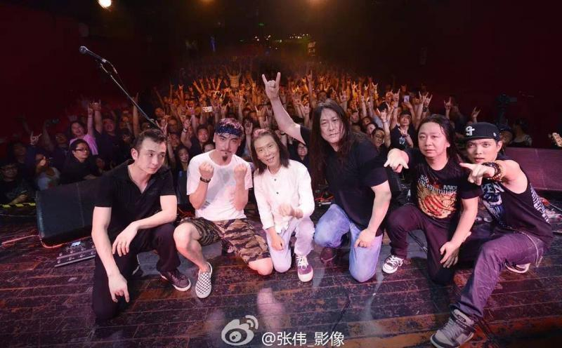 Spring & Autumn, Farewell Concert: Last show before Kaiser left China and the band broke up. Left to right:  Li Meng (keyboards), Diao Lei (drums), Yang Meng (vocals), Kaiser Kuo (guitar), Kou Zhengyu (guitar), Song Yang (bass)
