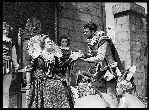 "nAndy Griffith as Sir Walter Raleigh i ""The Lost Colony.""  Carl Kasell, as Wanchese, is in the lower right corner of the photograph."