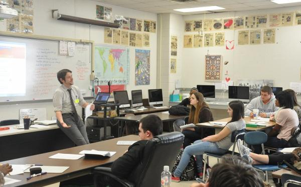 Will MIchaels presents to a journalism class at Riverside High School in Durham, NC. January 2014
