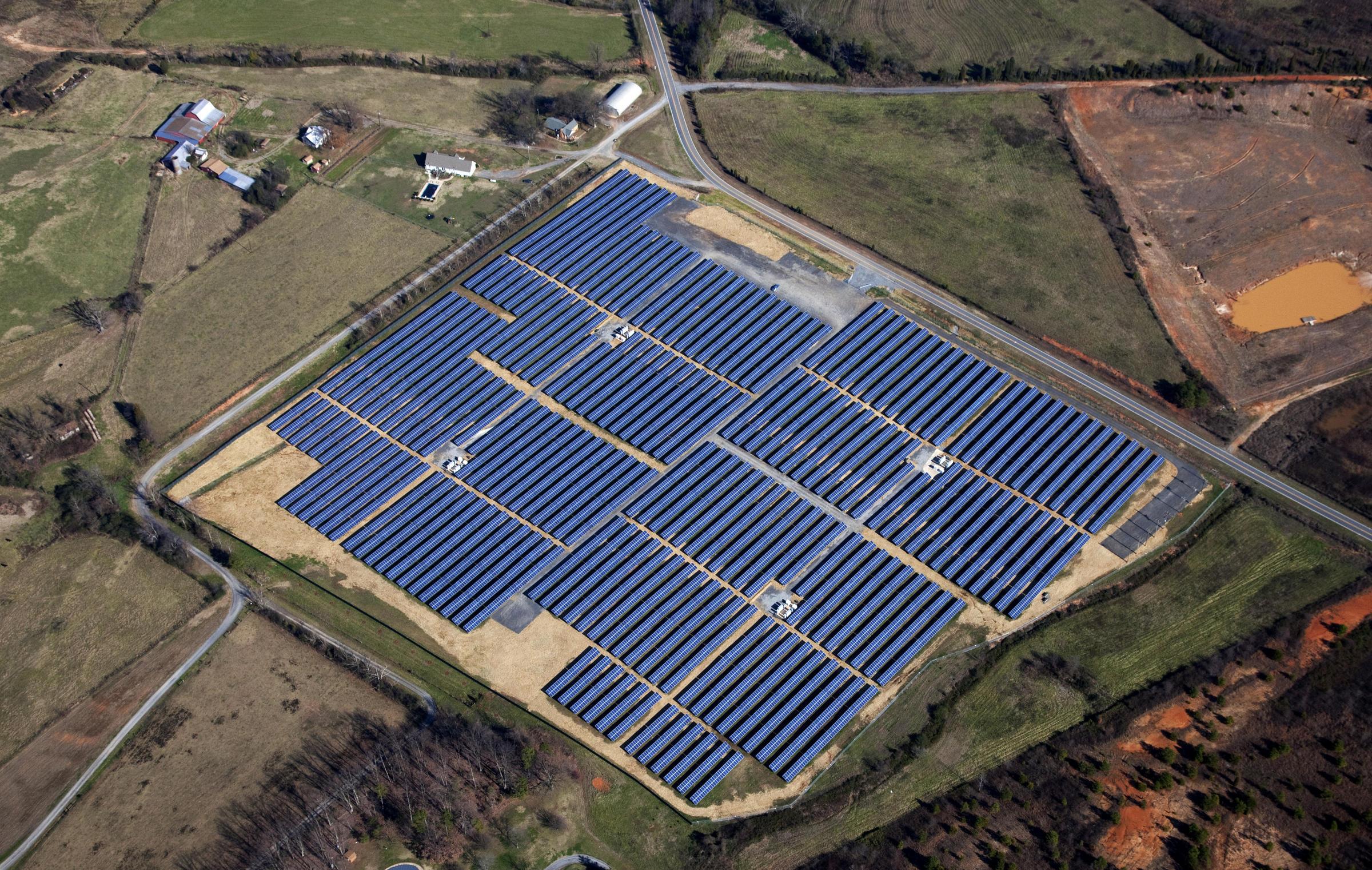 35 acre solar farm under construction in orange county wunc for Solar ranch