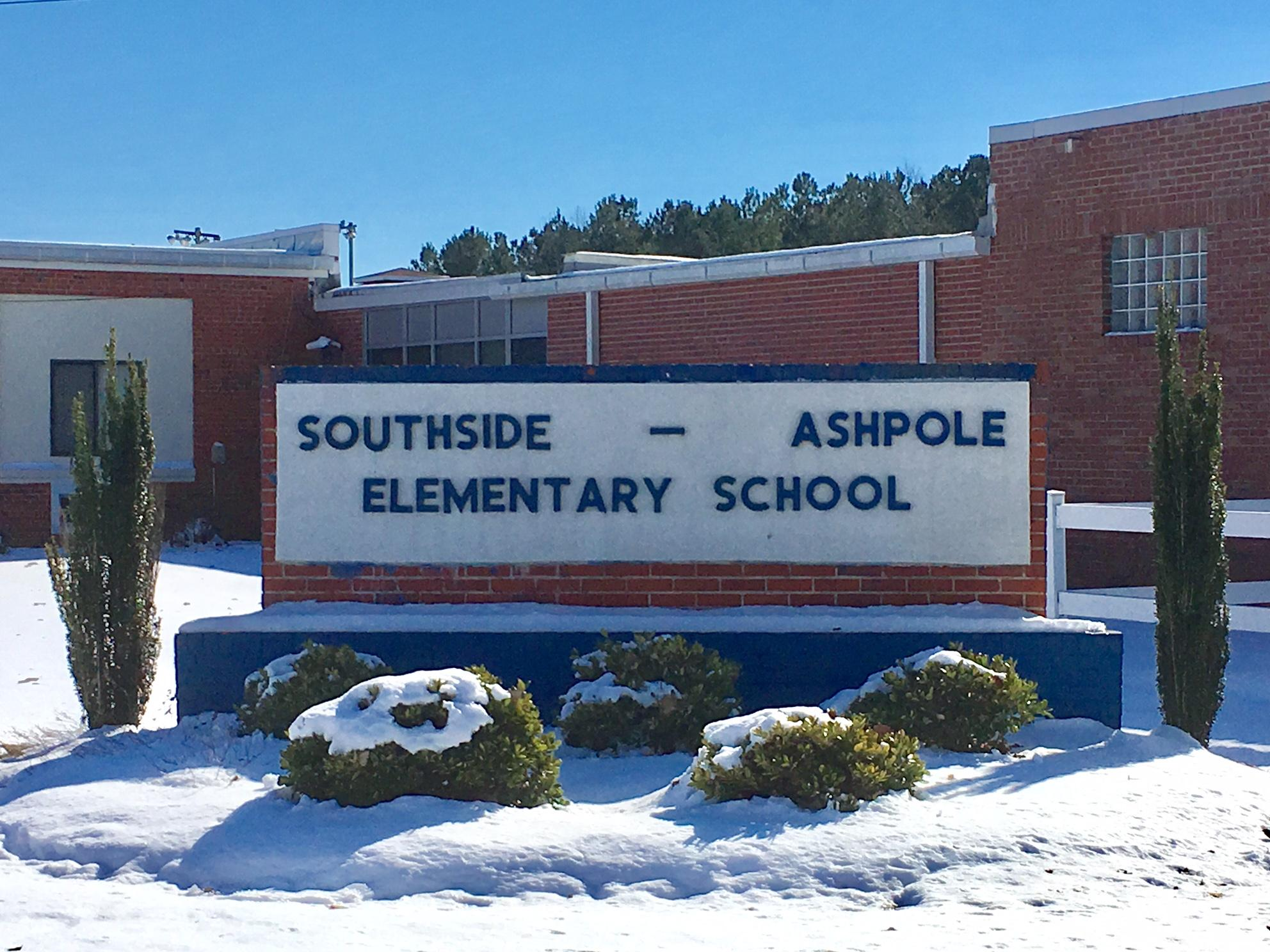 A panel of community leaders in Robeson County heard proposals from two  school operators vying to run Southside Ashpole Elementary.