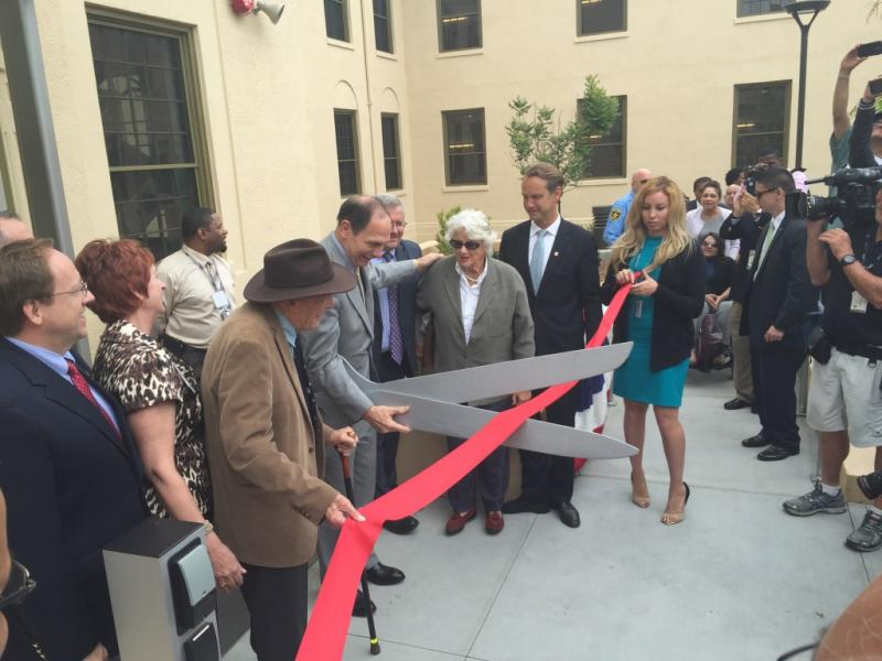 Ribbon cutting at VA complex
