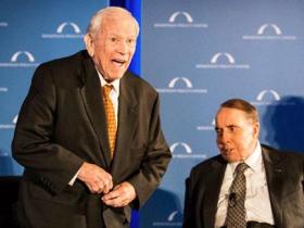 Former U.S. Senator Howard Baker (left), pictured with former Senator Bob Dole in 2012.