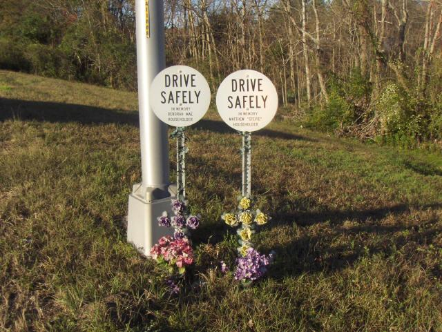 These memorial signs are on I-295 southbound between Commonwealth Avenue and I-10 in Jacksonville.