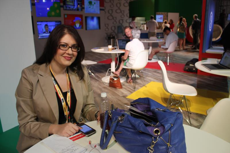 Economic reporter Carmel Delshad in the Google Lounge