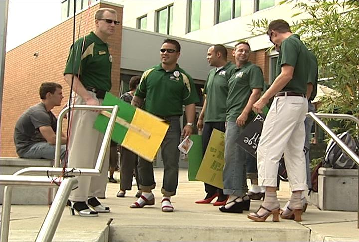 """USF baseball team wait for 2011 """"Walk a Mile In Her Shoes"""" march to begin"""