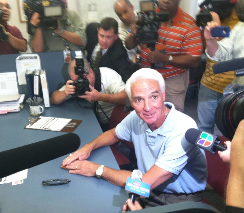 Charlie Crist at the Pinellas Supervisor of Elections Office