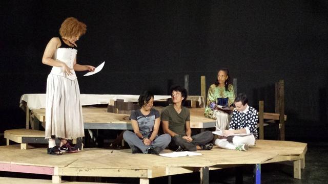 USF students Tiffany Schultz (l-r), Faith Jones & Paul Pullen read through a scene with professional actress Perri Gaffney & student asst. dir. Carlos Garcia