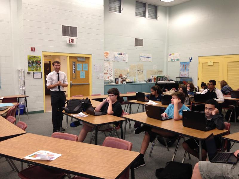 Tom Rompella leads the Introduction to Information Technology class at ...