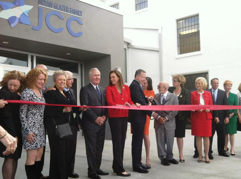 Dignitaries including Bucanneers co-owner Bryan Glazer, Tampa Mayor Bob Buckhorn and State Rep. Dana Young cut the ribbon