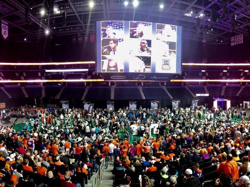 The public turned out Saturday to watch Media Day at the Amalie Arena in downtown Tampa. Hundreds of journalists interview players and coaches from the two teams: Clemson and the University of Alabama.