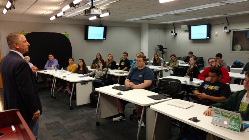 St. Petersburg Mayor Rick Kriseman talks to a USF St. Pete political science class Oct. 25.