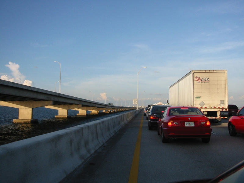 The Howard Frankland Bridge across Tampa Bay, as seen driving northbound during a traffic jam at rush hour.