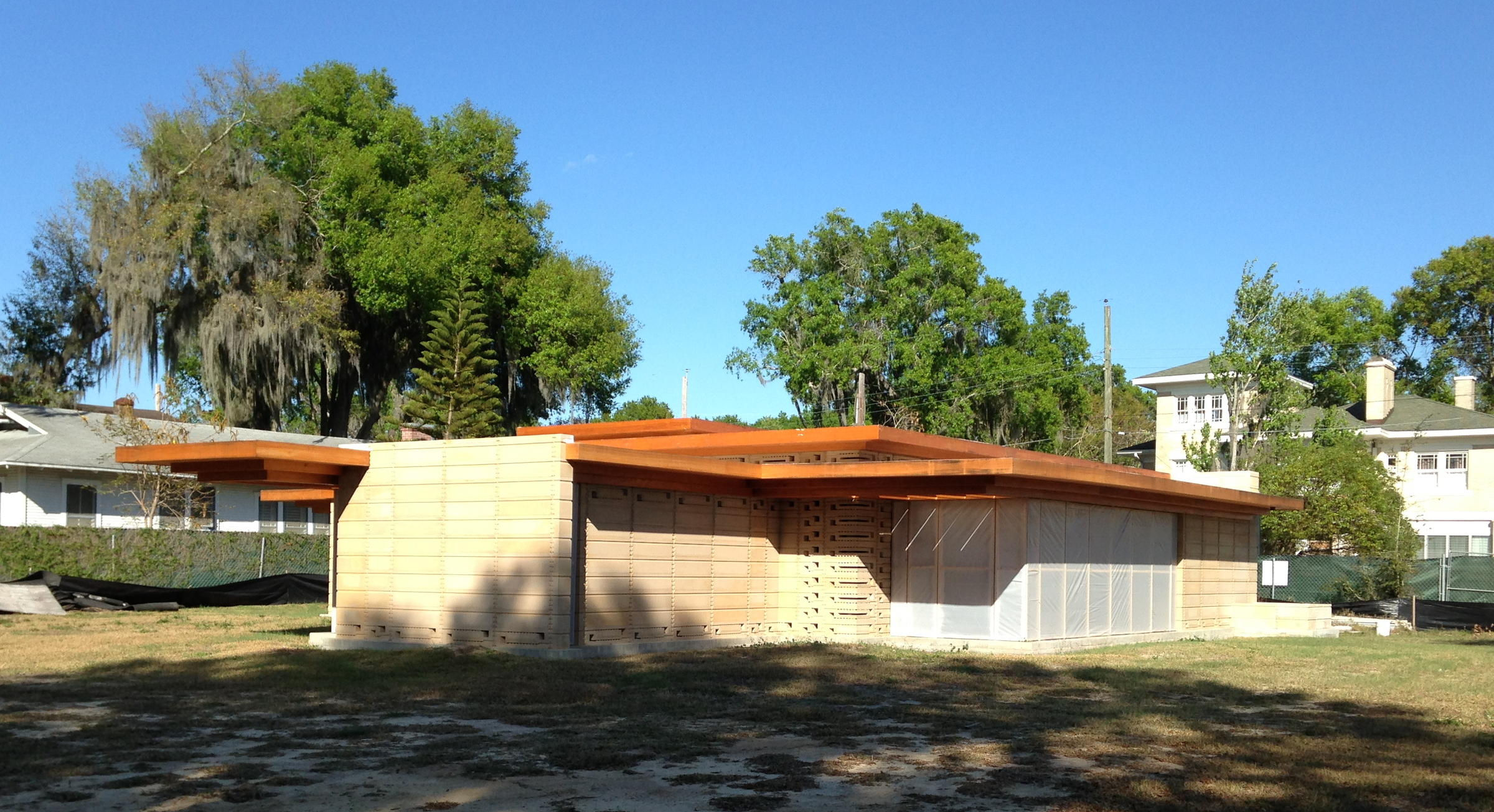 New frank lloyd wright house constructed at florida for Frank loyd wright house