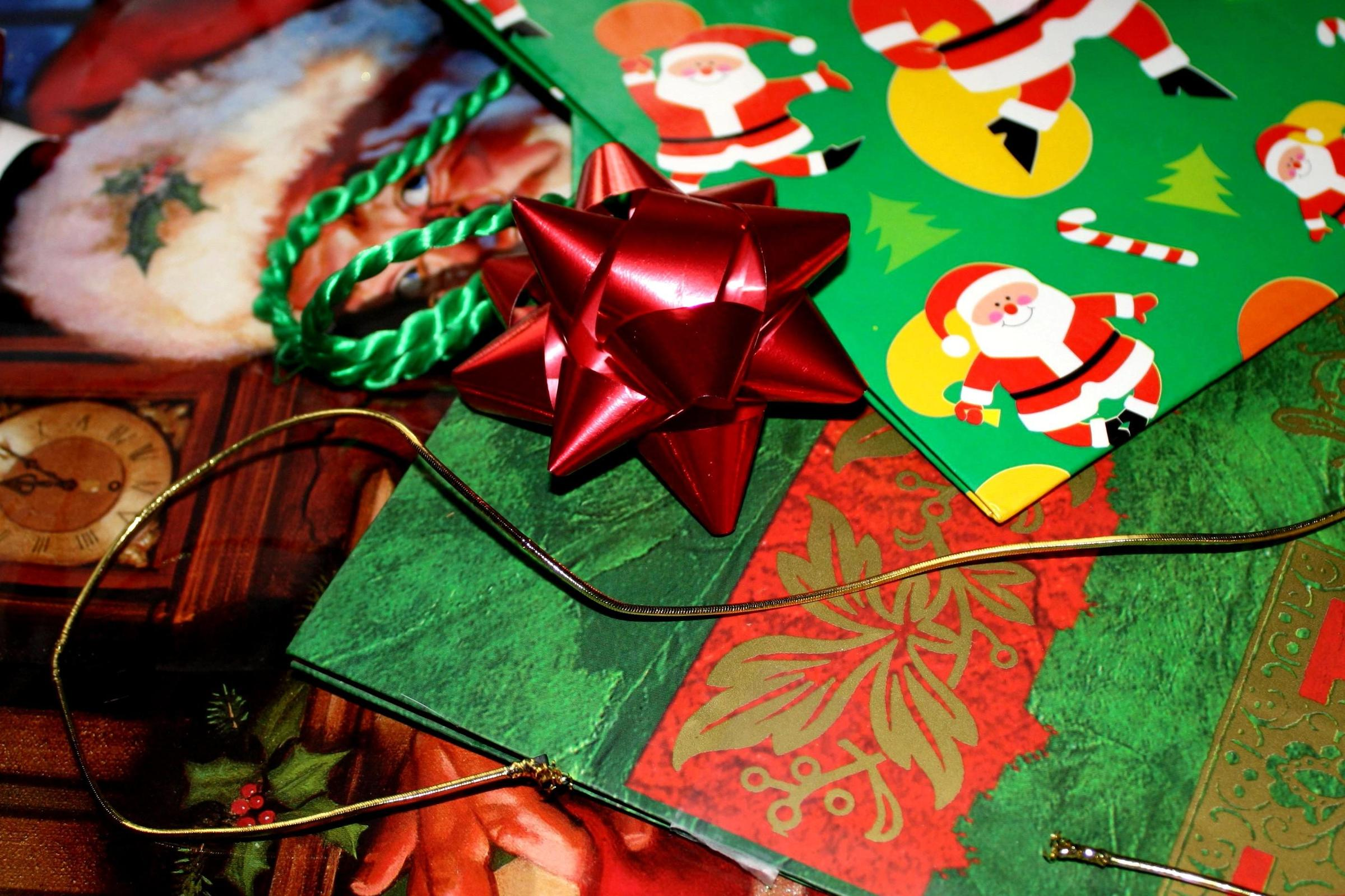 holiday recycling tips wusf news. Black Bedroom Furniture Sets. Home Design Ideas