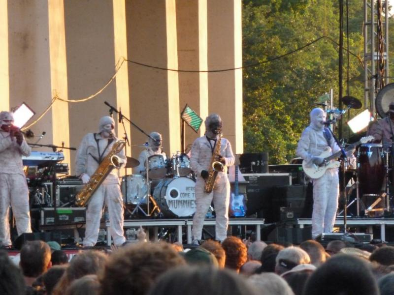 Here Come The Mummies on the Bud Light stage.