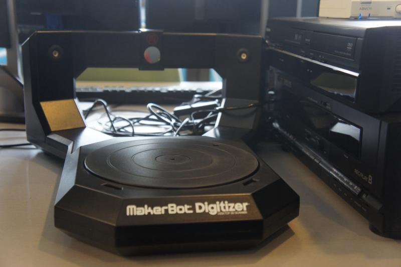 Makerbot Digitizer, a 3D scanner