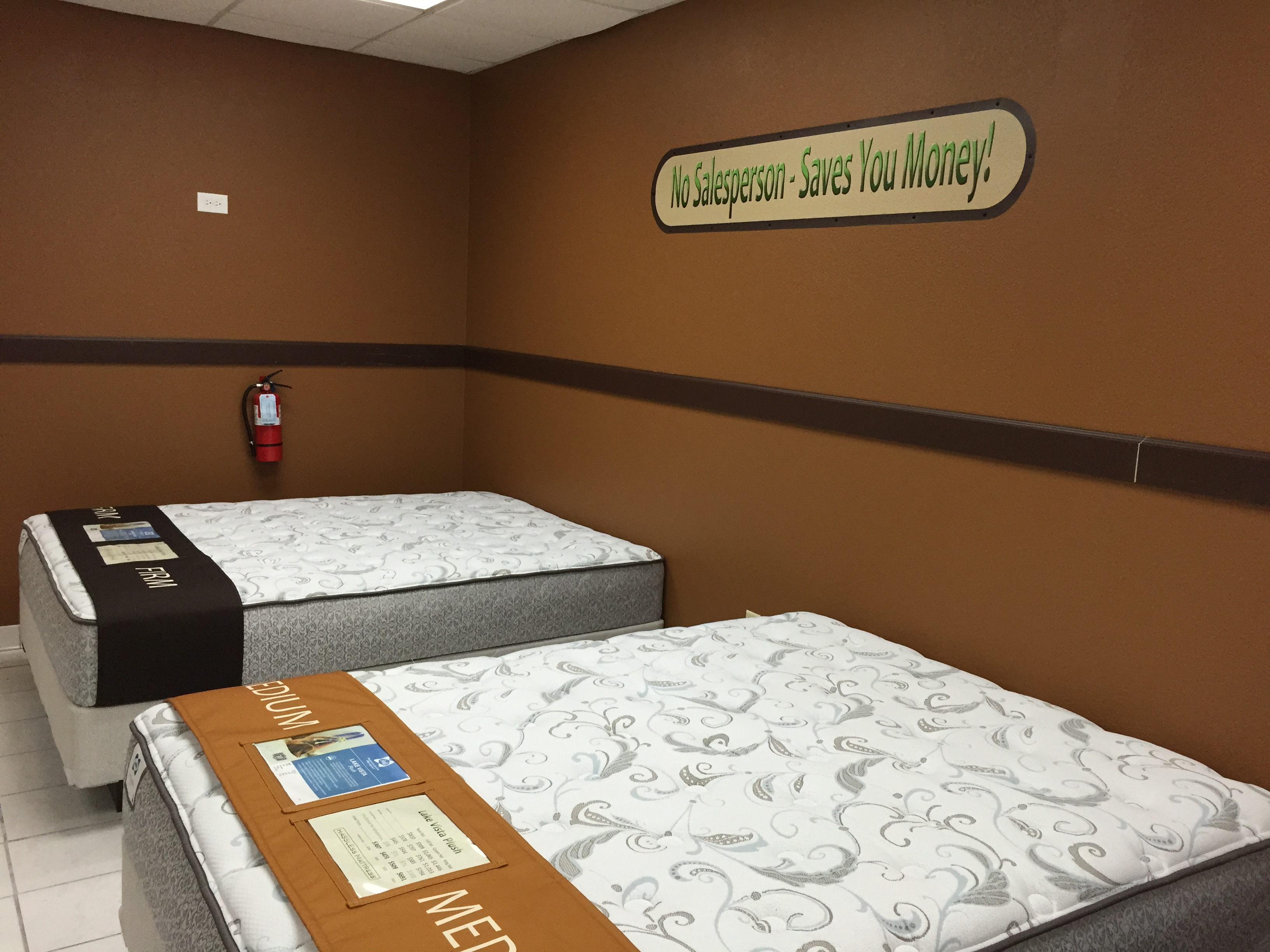 Milwaukee area mattress store tries employee free for Stores that sell beds