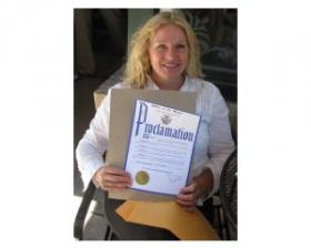 Gretchen Mead holds mayoral proclamation announcing inaugural Victory Garden Blitz Weekend