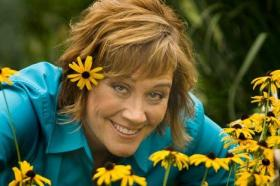 Melinda Myers shows us how to garden with more than just sight in mind.