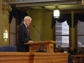 Milwaukee Mayor Tom Barrett delivers his 2014 budget address to the Common Council