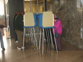Board plan would make voter registration more convenient for some residents.