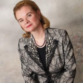Pianist Lydia Artymiw