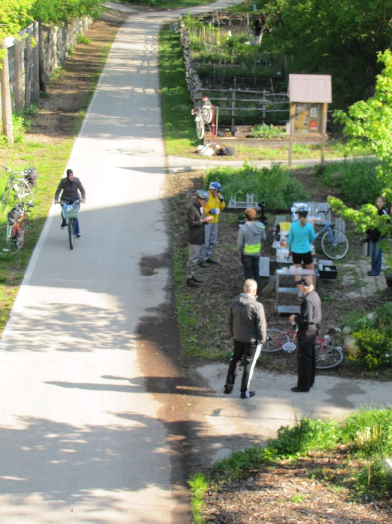 Bike to Work Week commuters and coffe drinkers  on the Oak Leaf Trail.