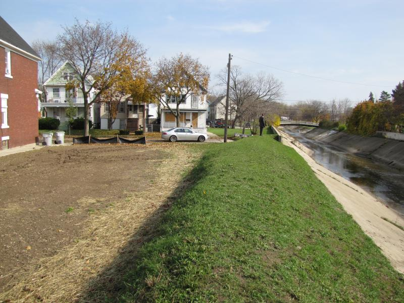 Site of one of the homes deconstructed along the Kinnickinnic as area is prepared for river restoration. Milwaukee Builds trainees helped make that deconstruction happen.