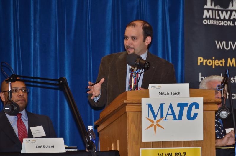 Moderator Mitch Teich